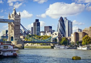 k-Financial District of London and the Tower Bridge_shutterstock_92655643